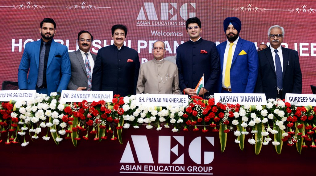 Pranab Mukherjee in Interaction with the Students of Asian Education Group