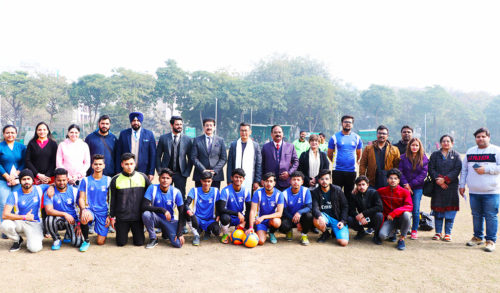 bhaichung-bhutia-at-asian-school-of-business-asb-noida-athleema-2020